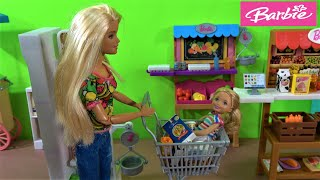Barbie and Barbie Sister Chelsea Grocery Shopping, Chelsea Lost in Store and Buy Huge Bunny Toy