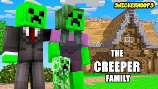 The CREEPER FAMILY Moves In | Minecraft Games to Play | Snicker Hoops