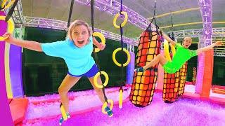 WORLDS FASTEST NINJA WARRIOR OBSTACLE COURSE LAVA CHALLENGE!! (Sis VS Bro Wins Golden Treasure)