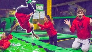 TEACHING HER TO FRONT FLIP!! (TRAMPOLINE TRICKS)